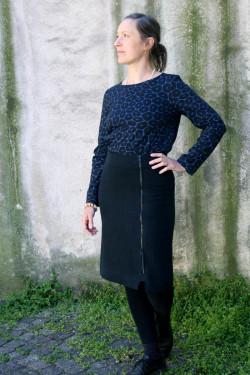 Skirt wrap-around with zipper