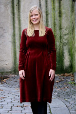 Dress with pleates velour