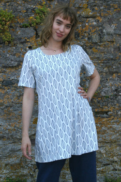 Tunic with pockets, pattern...